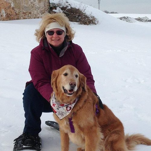 Rochelle and her golden retriever Cooper